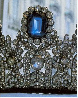 Tiara Time! Leuchtenberg Sapphire Parure (4/6)