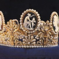 tiara time! the Cameo Tiara