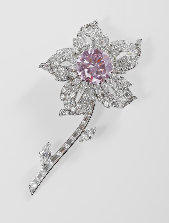 the williamson diamond is a 23.6 carat pink diamond