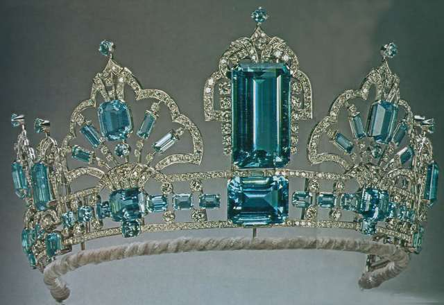 the Brazilian Aquamarine Tiara in its finished form