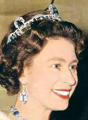 the brazailian aquamarine tiara in 1957