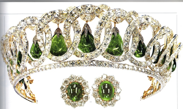 gdv tiara with emerlds, the 1911 Cambride earrings strike a perfect march