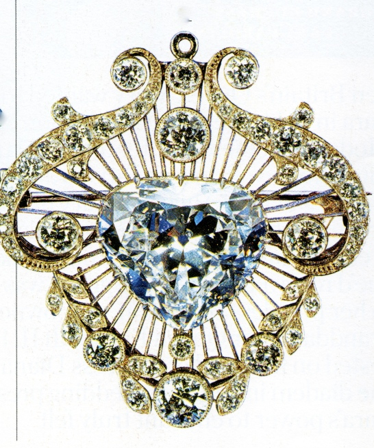the cullinan V heart broach