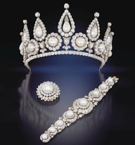 rosebery pearl and diamond tiara, brooch & bracelet, sold at Christie's in 2011
