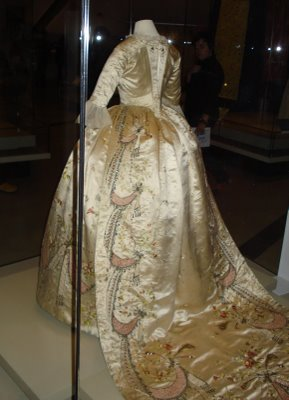 marie antoinette�s original dress by rose bertin tiaras