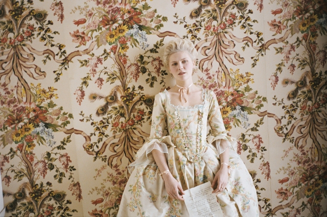 Marie Antoinette movie wallpaper dress