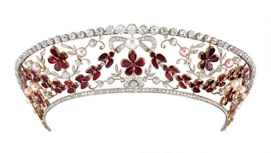 not ruby but garnet kokoshnik tiara