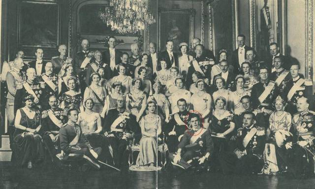 royal family picture CP Frederik of Denmark & Ingrid of Sweden May 1935
