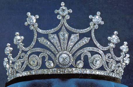 queen sophie's nine prong tiara