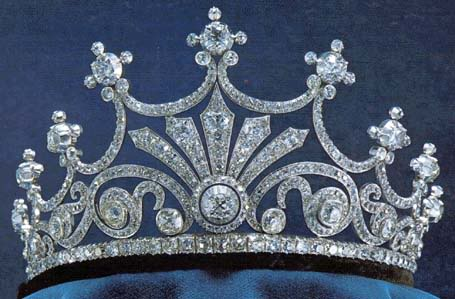 queen sophie's nine prong tiara