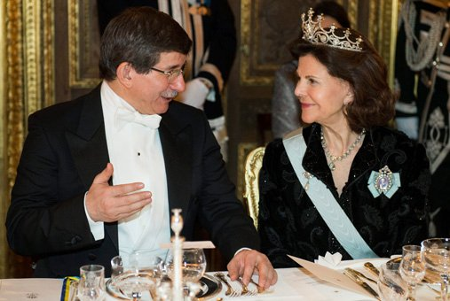 queen silvia in the Nine Prong tiara with Ahmet Davutoglu