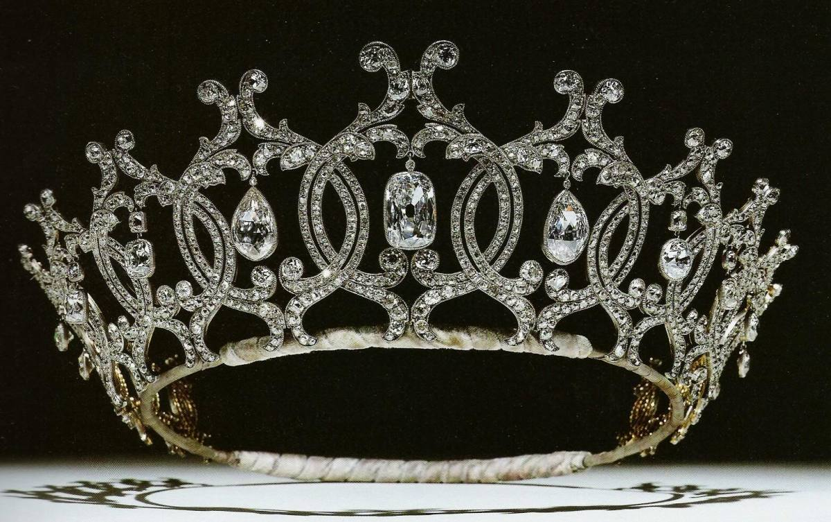 tiara time! the Cartier Portland Tiara