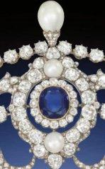 Portland Tiara sapphire cluster closeup
