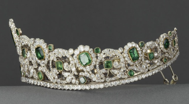 Emerald and Diamond Tiara by Bapst for Duchess of Angouleme side view