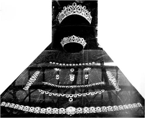 Marie Terese's Ruby and Diamond parure prior to auction