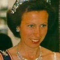 tiara time: the Pine Flower tiara