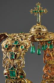 crown of the andes emerald gold detail