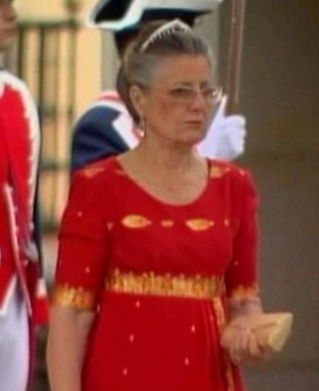 Marquesa de Laula at Asturias wedding