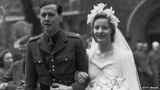 dowager duchess of devonshire's wartime wedding