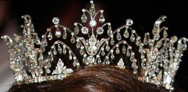 Alexandrine Diamond Drop Tiara