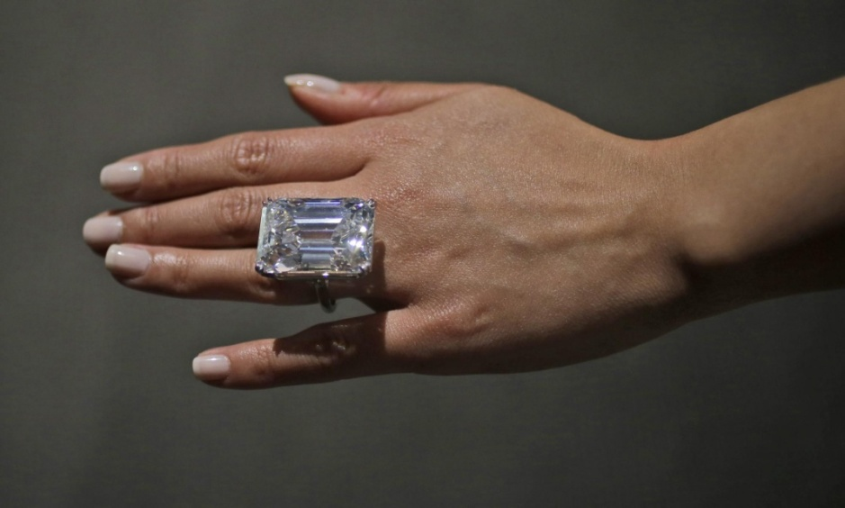 100 carat flawless diamond emerald cut
