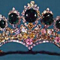 tiara time! Farah's Seven Emerald Tiara