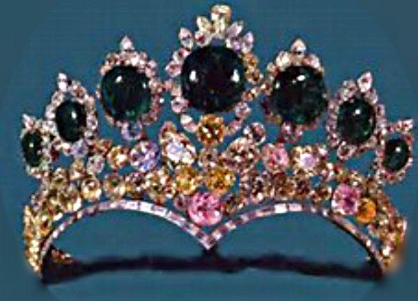 Farah's 7 emerald tiara 2