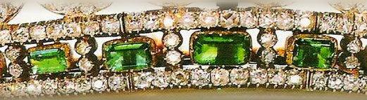emerald tiara closeup base