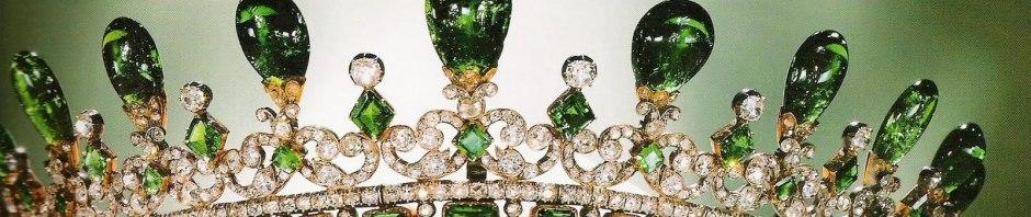 queen-victoria-emerald_tiara