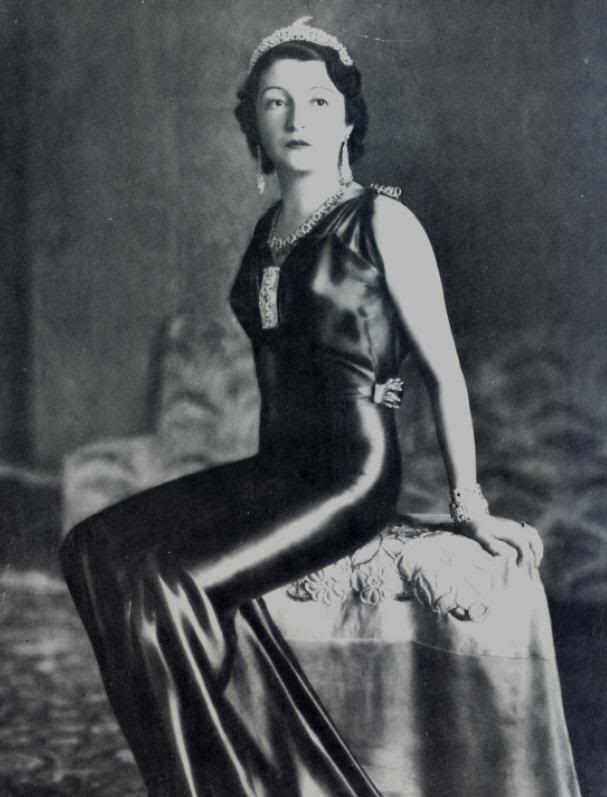 Senhi, Princess of Albania